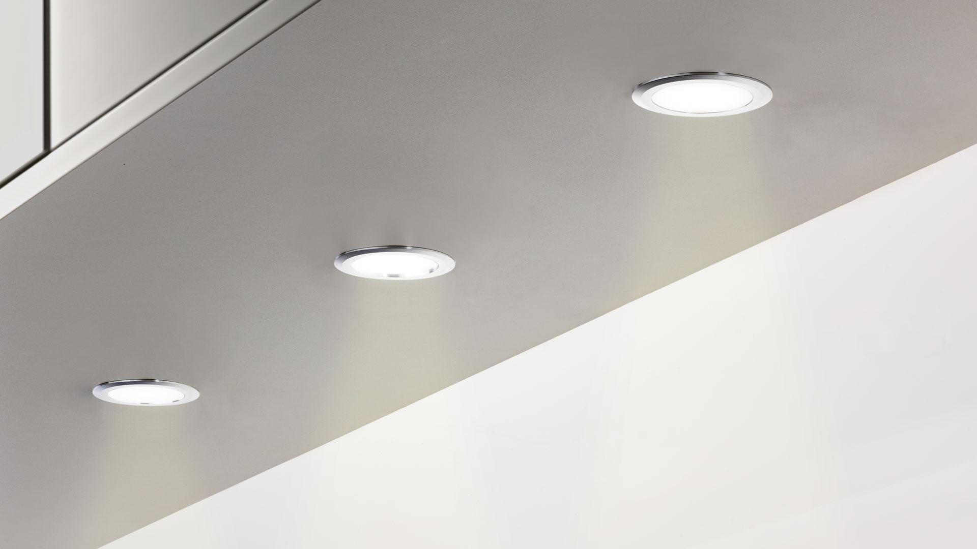 beleuchtung beleuchtung von dachschrgen with beleuchtung stunning kreative beleuchtung mit. Black Bedroom Furniture Sets. Home Design Ideas